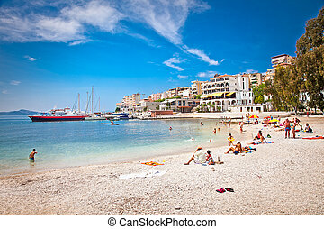 pablic, albania., sandstrand, touristen, saranda