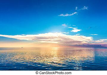 pacata, oceânicos, em, sunset., céu dramático