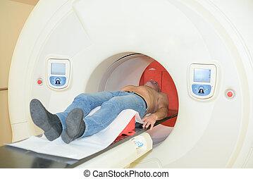 paciente, debajo, tomografía