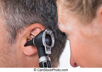 paciente, examinar, doctor de oído