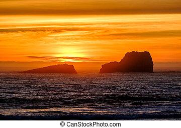 Pacific coast sunset, Big Sur, California, USA.
