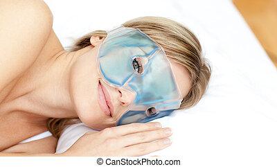 pacifico, maschera gel, occhio donna