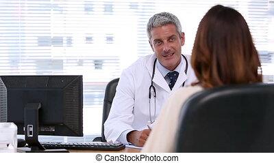 pacjent, słuchający, doktor