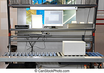 Packaging conveyor systems