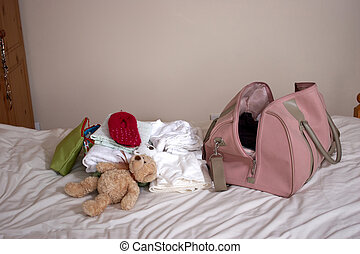 Packing to go to hospital - Packing to go into hospital to...