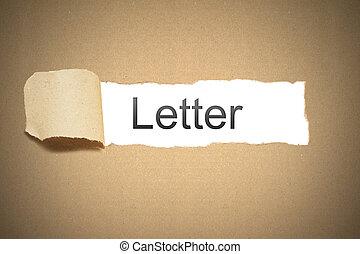 pacote marrom, papel, rasgado, para, revelar, espaço branco, letra
