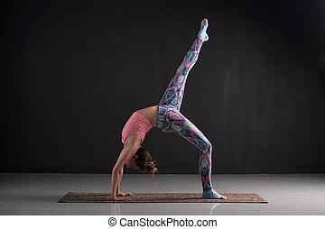 pada, ruota, donna, posa yoga, chakrasana, asana, eka, uno,...