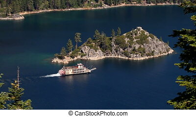 Paddle Boat Lake Tahoe - Paddle boat cruises in Emerald Bay...