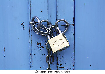 Padlock with chain