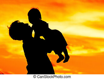 padre, asimiento, y, beso, bebé con, amor