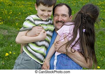 padre con los niños