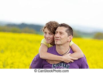 padre e hija, se abrazar