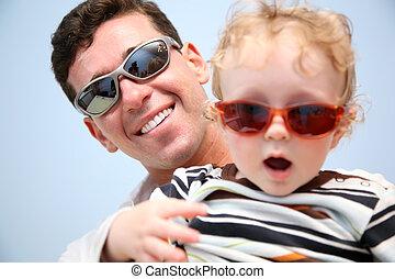 padre, gafas de sol, niño