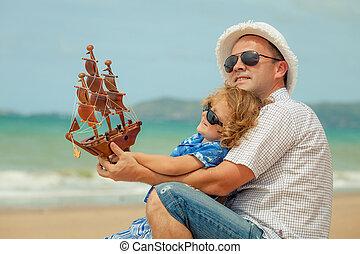 padre, giorno, time., figlio, spiaggia, gioco
