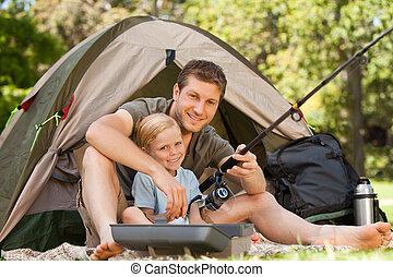 padre, pesca, con, suo, figlio