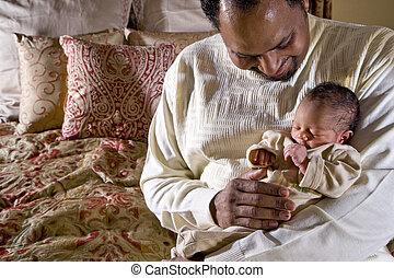 padre, presa a terra, bambino neonato