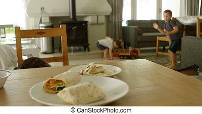 padre, pulizia, pavimento, mentre, bambini, gioco, 4k