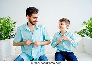 padre, vestire, insieme, figlio