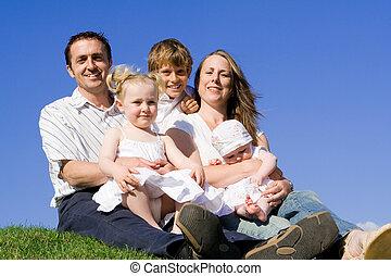 padres, con, hermanos y hermanas