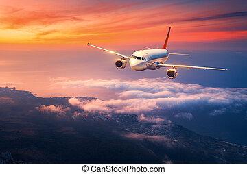 paesaggio, con, grande, bianco, aeroplano, è, volare, in, il, cielo