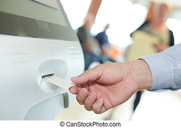 paga, insertar, estacionamiento, mujer, máquina, boleto