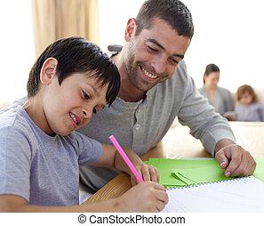 pai, ajudando, seu, filho, fazendo, dever casa