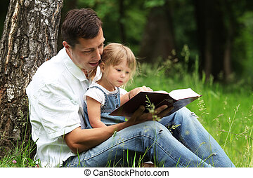 pai, lê, bíblia, filha