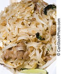 pai thai rice noodles food