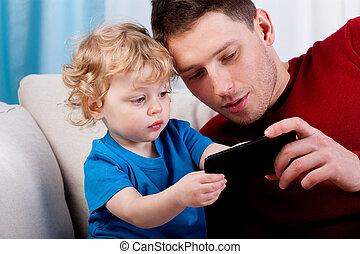 pai, tocando, filho