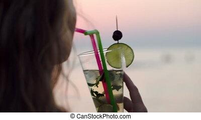paille, mojito, femme, boire