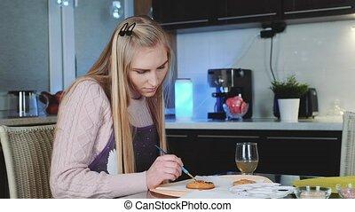 pain épice, décorer, biscuits, apprentissage, maison, jeune femme, joli