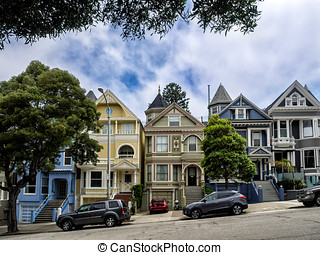 Painted Ladies wvictorian houses in San Francisco, USA