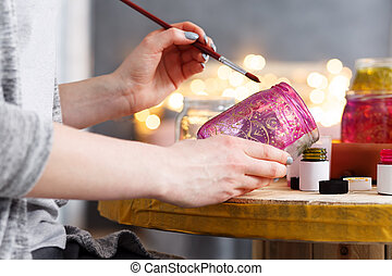 Painting a jar