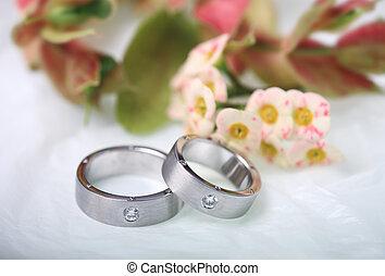 Pair of white gold wedding rings