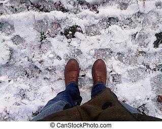 paire, brun, hommes, mises route neige