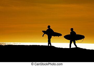 paire, dehors, coucher soleil, titre, surfers