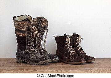paires, deux, porté, chaussures
