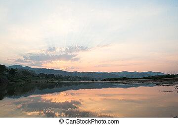 paisagem, com, pôr do sol, ligado, rio
