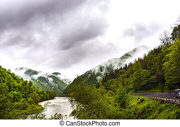 paisagem, de, olt, vale, montanha, chuva