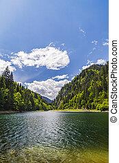 paisaje, con, un, hermoso, lago, en, parang, montañas, rumania