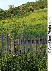 paisaje rural, con, viejo, cerca de madera
