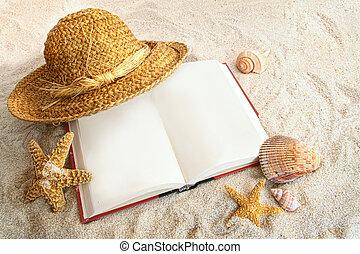 paja, conchas marinas, arena, libro, sombrero