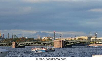 Palace Bridge and water transport
