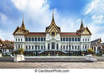 palacio grande, (with, templo, de, esmeralda, buddha), atracciones, en, bangkok, thailand.