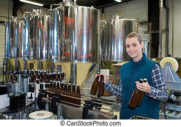 palack berendezés, nő, sörfőzde
