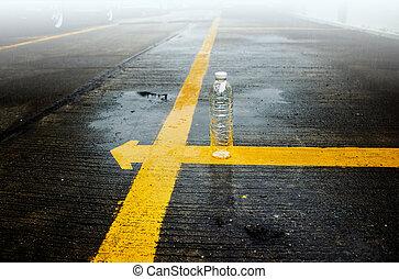 palack, egyenes, eső, sárga