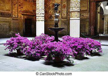 palazzo vecchio, hof, florenz