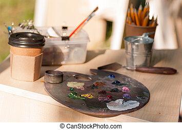 paleta, z, mieszany, kolor, na stole, przez, przedimek określony przed rzeczownikami, artysta