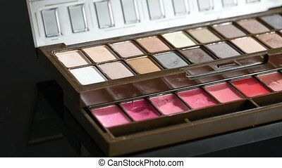 palette with eyeshadow. turns slowly