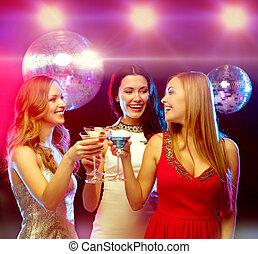 palla, tre, discoteca, cocktail, sorridente, donne
